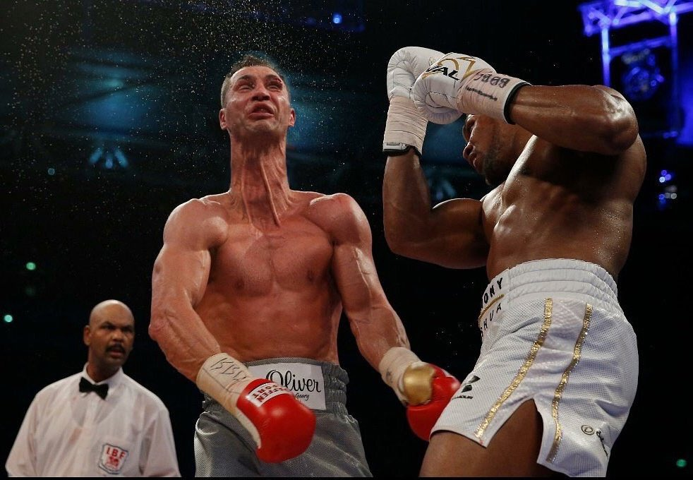 Klitschko into a motherfucking giraffe