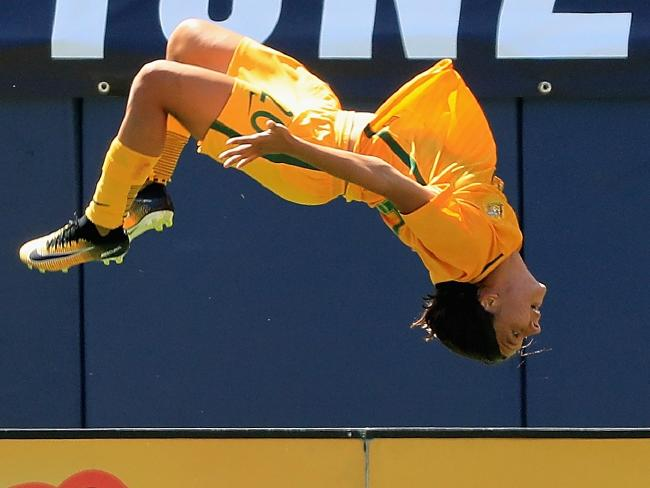 Sam Kerr first half hattrick