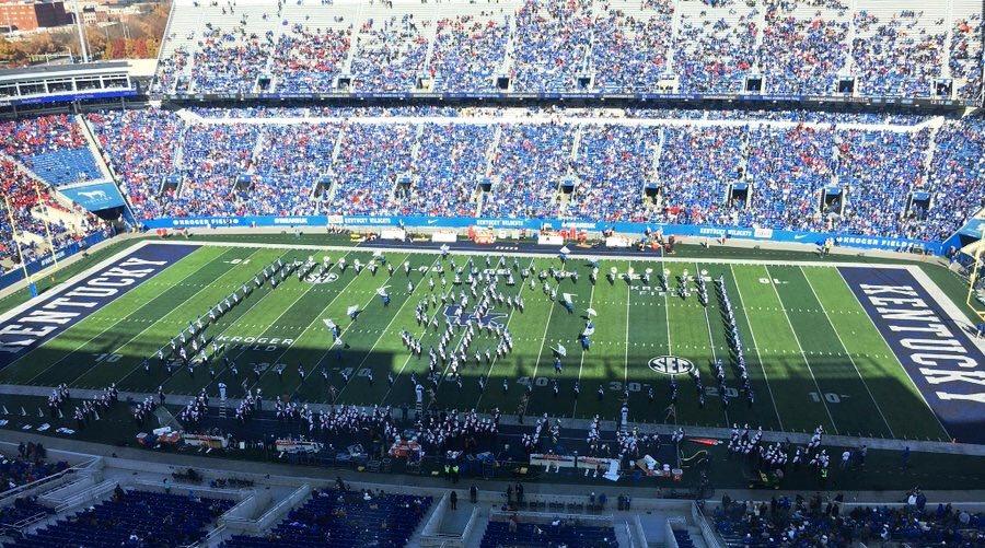 Kentucky band throwing shade at Loui$ville