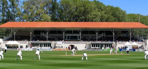 1200px-New_Zealand_vs_Pakistan,_University_Oval,_Dunedin,_New_Zealand