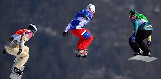 Womens snowboarding