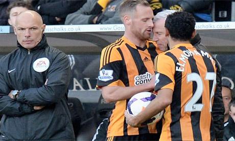 Alan Pardew appearing to headbutt Hull midfielder David Meyler