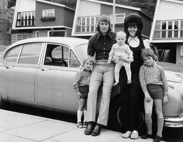Circa 1970 - 1973 - Footballers at Home Feature by Ray Wright for Goal Magazine - David Wagstaffe of Wolverhampton Wanderers at home with his wife Barbara and his children.