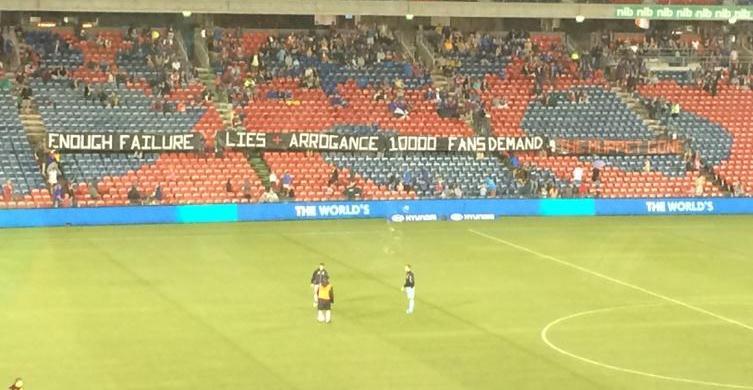 Newcastle jets fans
