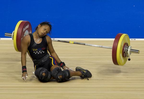 Venezuelan weightlifter fainted