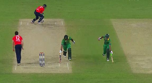 Pakistan running between the wickets