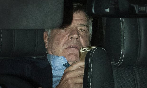 sam-allardyce-careful-with-that-phone