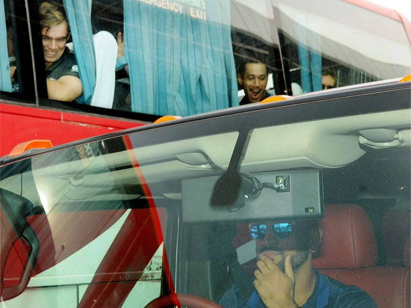 ms-dhonis-hummer-leaves-new-zealand-stars-open-mouthed-in-ranchi