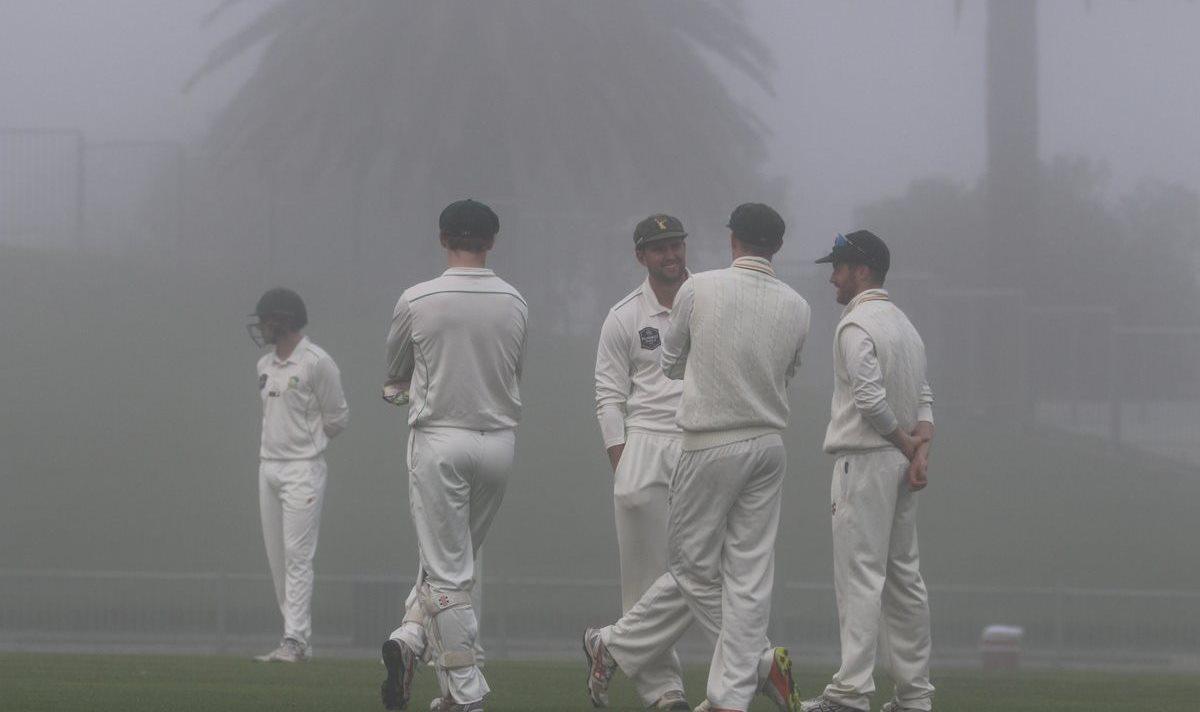 Fog stops play Napier