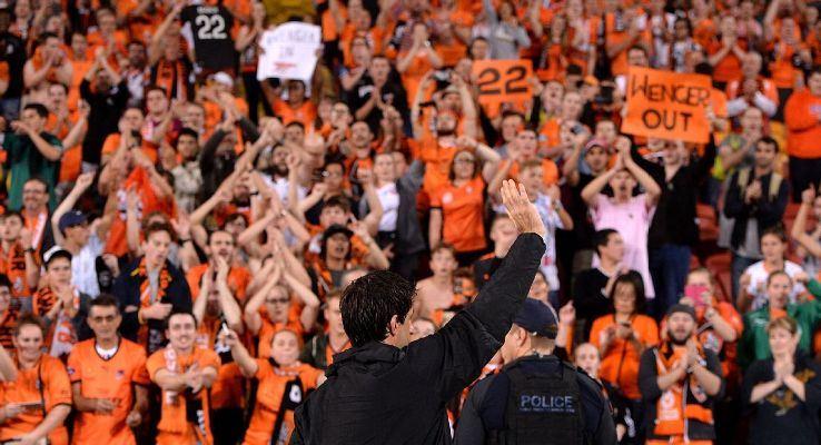 Thomas Broich's emotional goodbye to Brisbane Roar supporters