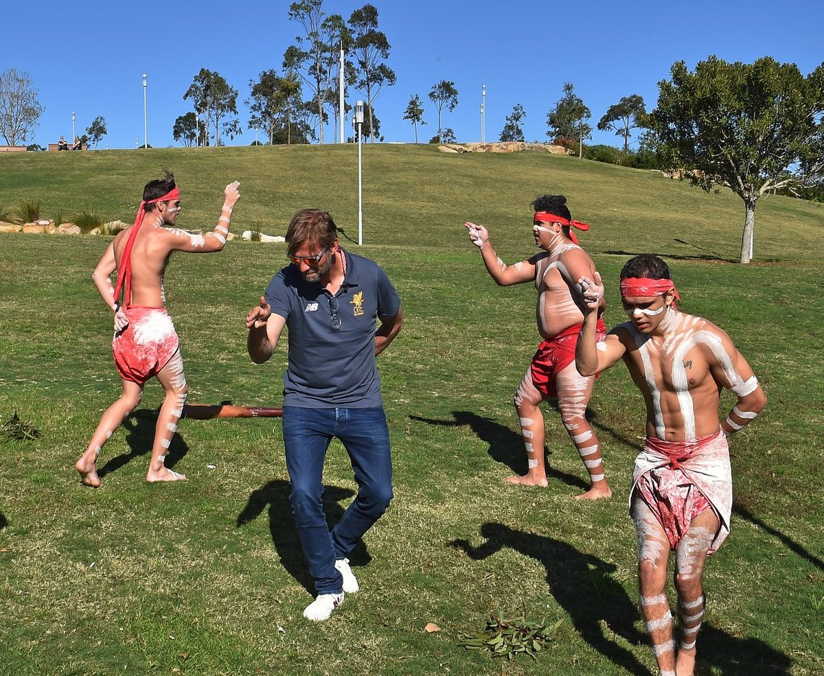 Klopp aboriginal dancing
