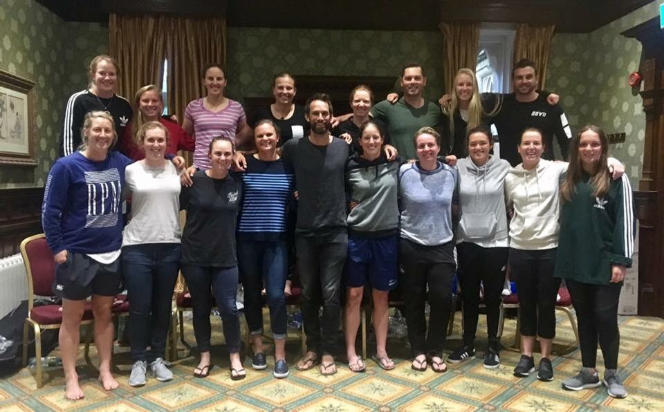 Men womens teams united by jandals