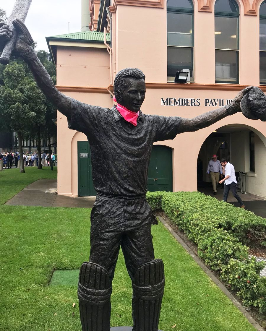 Or Bronzed Steve Waugh sculpture